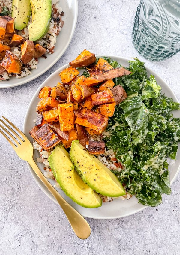 An Easy, Fiber-Packed Vegan Lunch That's Perfect for Meal Prep: Sweet Potato and Kale Bowls